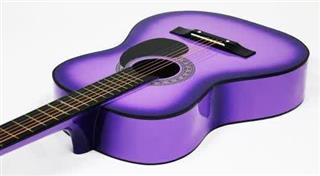 آموزش گیتار توسط مدرس خانم